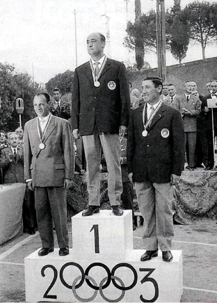 PODIO IND. 1962