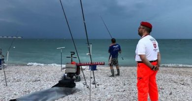 """LITORALE DI MAROTTA: EVENTO SURF CASTING """"UNITI PER AIUTARE"""""""