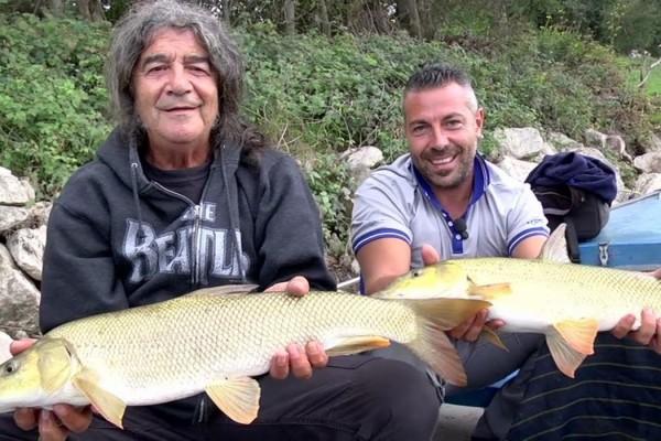 il-cantante-drupi-a-pesca-da-www-youtube-com-1050x700